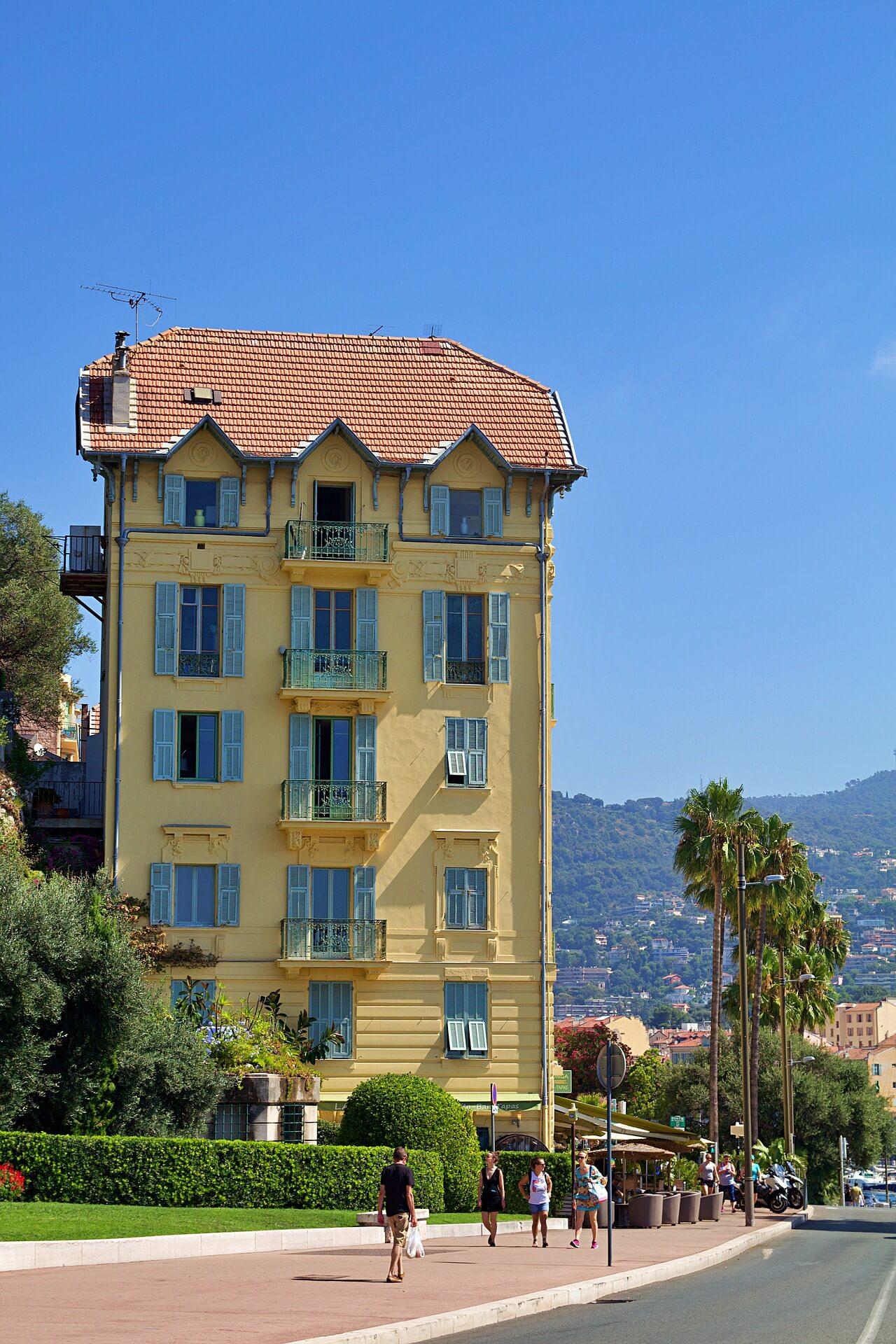 Rental Car in Nice 4